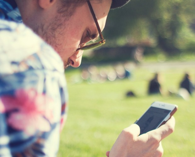 Smartphone internet usage surpasses desktop and laptop for first time in the UK