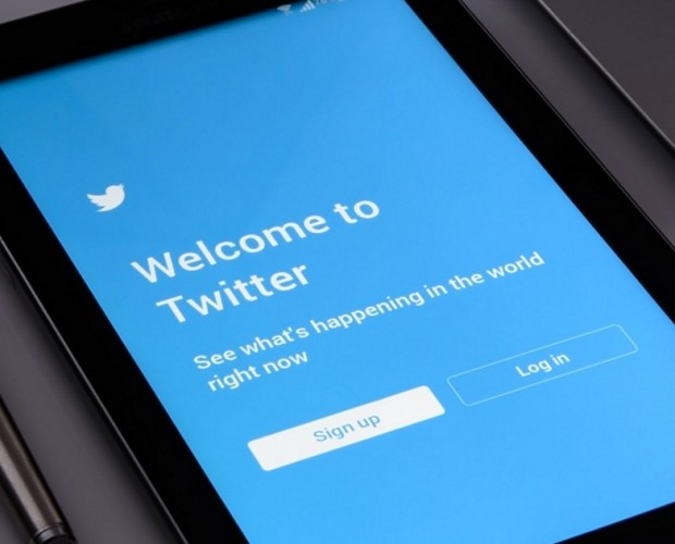 Twitter shares down on Q4 revenues of $908.8m as it says it will stop reporting MAUs