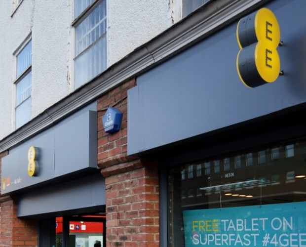 EE hit with £100,000 fine for breach of messaging laws