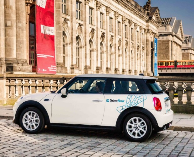 BMW and Daimler link up to combine transportation services