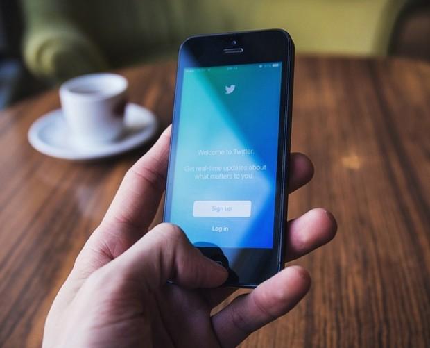 Twitter is experimenting with an in-app tweetstorm feature